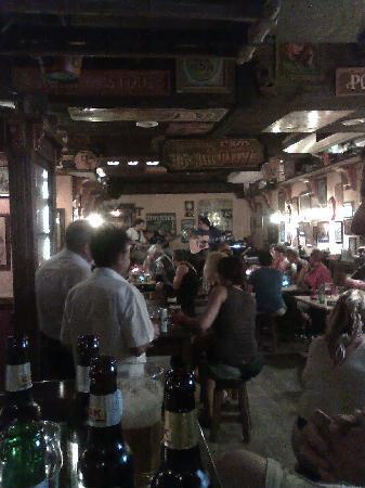 Fat Harry's Pub: Photo of Live Band - Colourblind