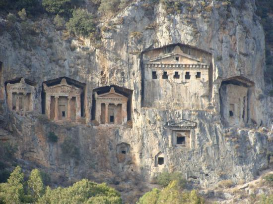 Dalyan, Turkiet: Tombs