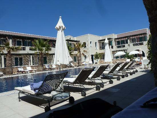 Rose Bay Hotel: piscine