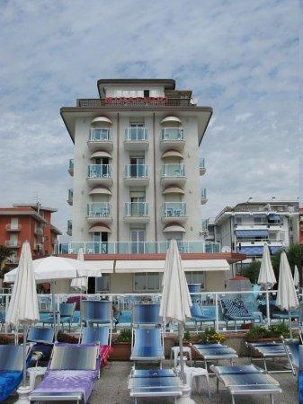Hotel Mirafiori: l'hotel dalla spiaggia