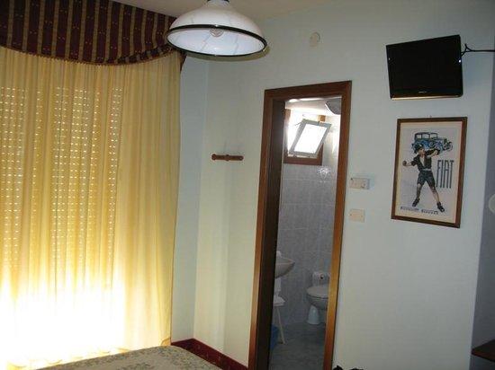 Hotel Mirafiori: Camera