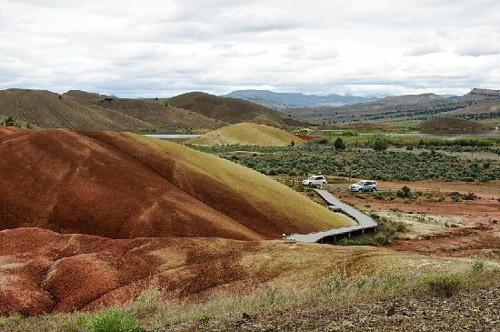 John Day Fossil Beds National Monument: Painted Cove Trail