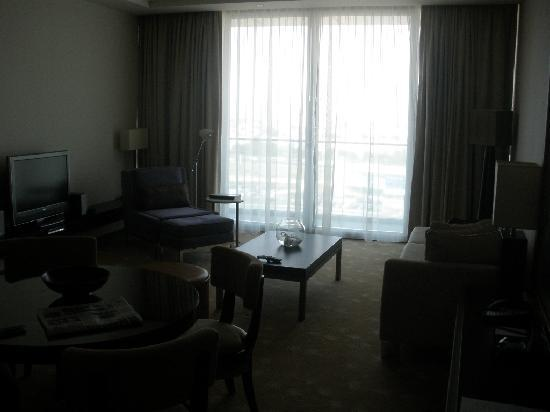 InterContinental Residence Suites Dubai Festival City : General View - Living Room 01