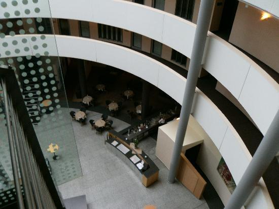 NH Düsseldorf City: Bar