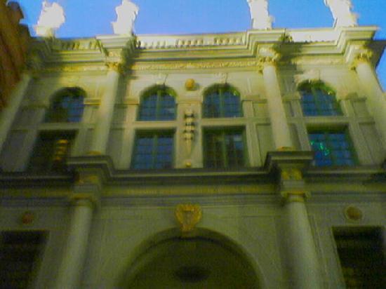 Dluga Street (ul. Dluga): Langgassertor