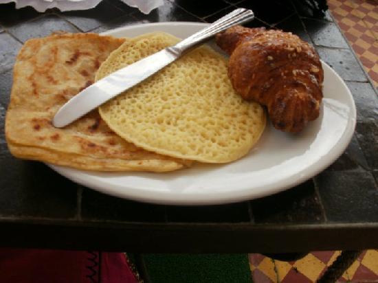 L'Heure d'Ete: Breakfast