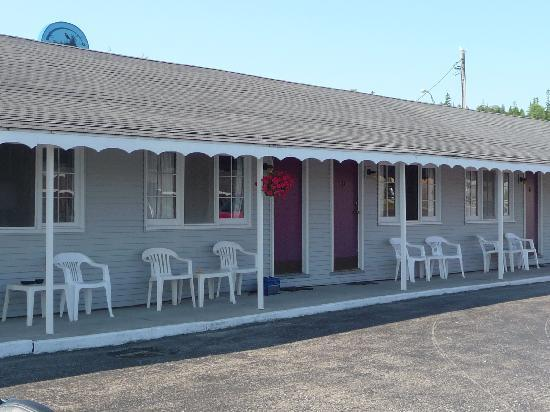 Bay View Motel: Outside view