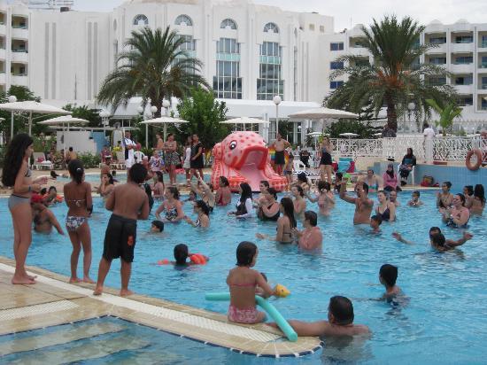 El Mouradi Hammamet: Pseudo aquagym dans la piscine