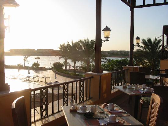 Steigenberger Coraya Beach: terrazza breakfast