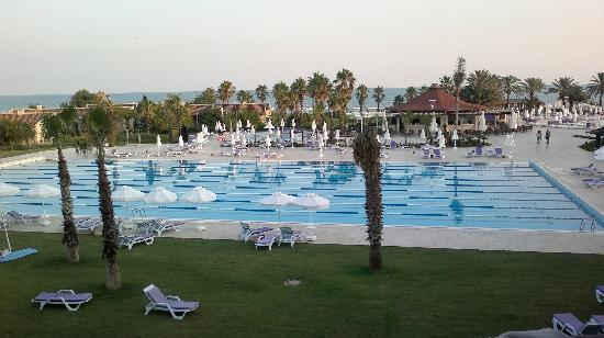 SENTIDO Zeynep Resort : one of the many pools