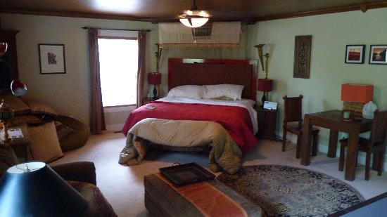 Mtn Laurel Creek Inn & Spa: The Dogwood Room