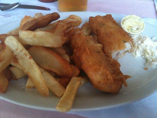 Little Denier Restaurant: fish and chips!