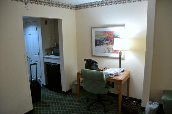 Fairfield Inn Asheville South: Desk