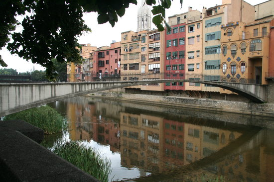 Girona Tours - Private Day Tours : Onyar River