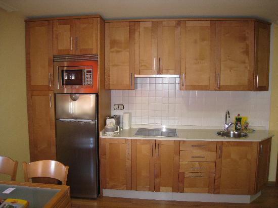 Apartamentos Ababides: cocina