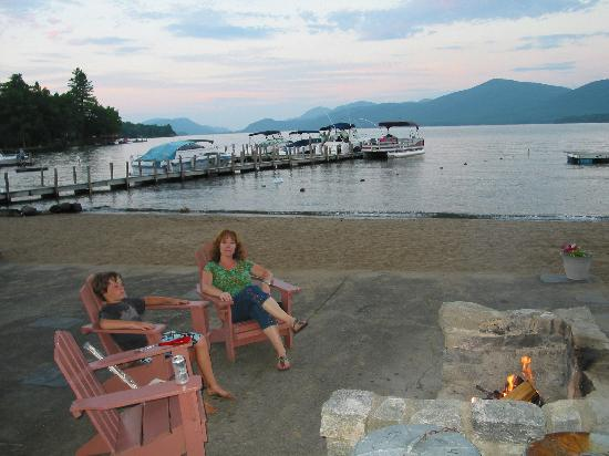 Mt. Knoll Beach Cottages: Campfire Warmth & Great View!