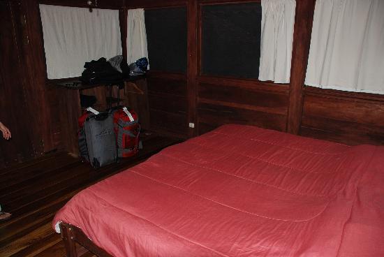 La Anita Rainforest Ranch: our cozy bed...