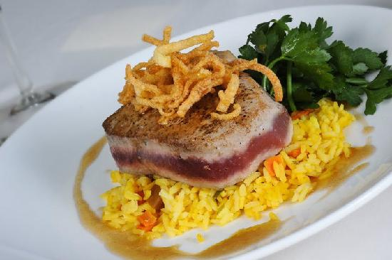 Caribbean Pearl Restaurant and Bar: Sesame Ginger Tuna