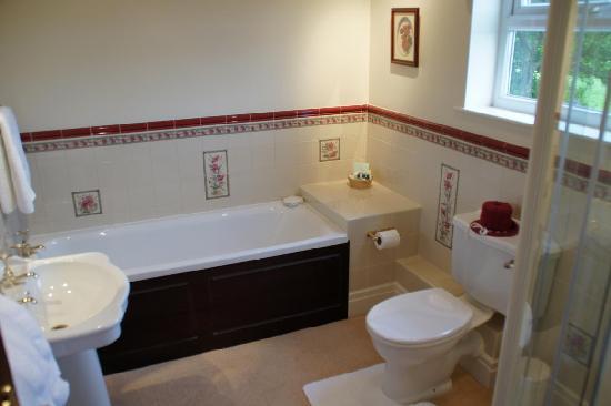 Barms Farm : bathroom
