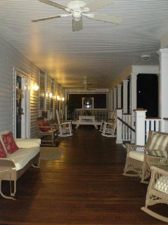 Captain Stannard House Bed and Breakfast Country Inn: porch
