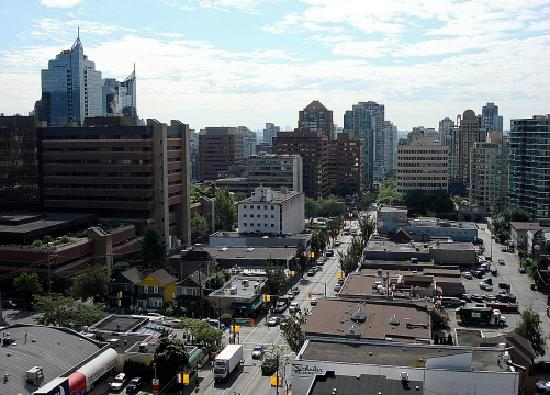 Sandman Suites Vancouver - Davie Street: The view from our balcony