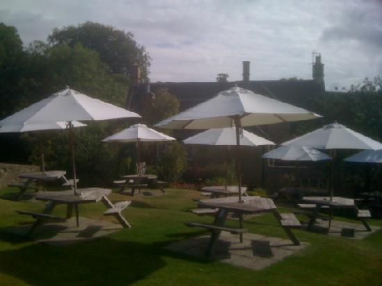 The Horse and Groom: Lovely gardens with great views