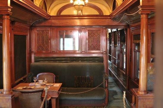 The Branch Restaurant & Bar: Sleeper car