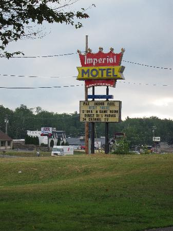 Imperial Motel: Road Sign for Motel