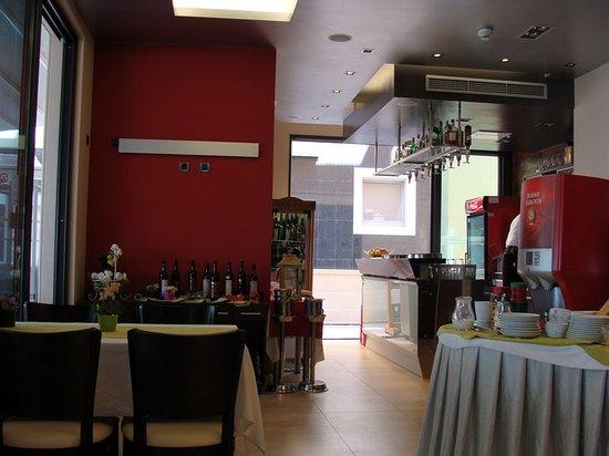 The Maritimo Hotel : Zona de desayunos