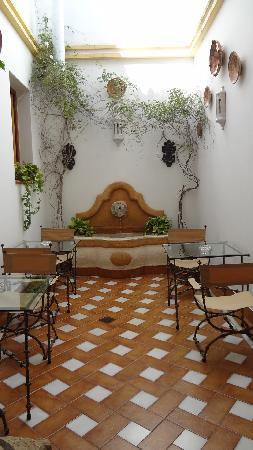 Hotel La Llave de la Jurderia: Breakfast Area in the Hotel