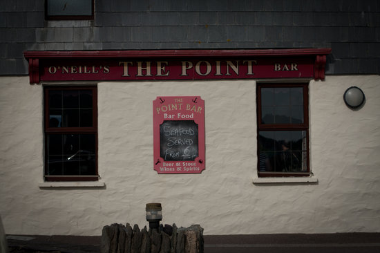 O'Neill's The Point Seafood Bar: Facade