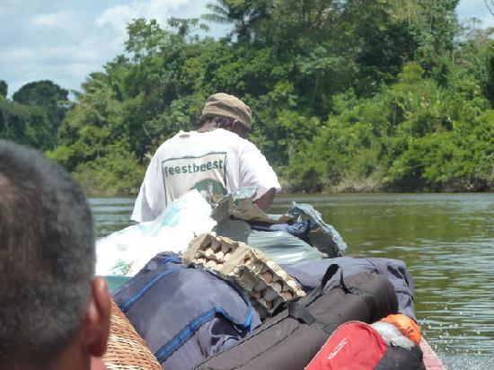 Awarradam Jungle Lodge: Getting to Awarradam in a boat
