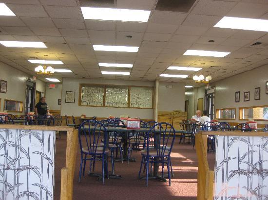 Rax Restaurant: Sunday night crowd