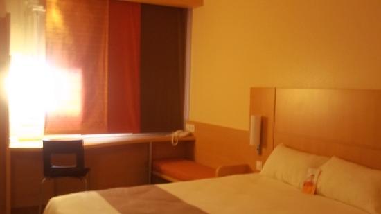Hotel Ibis Oviedo: Habitación