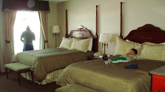 Chateau Saint John: Our hotel room