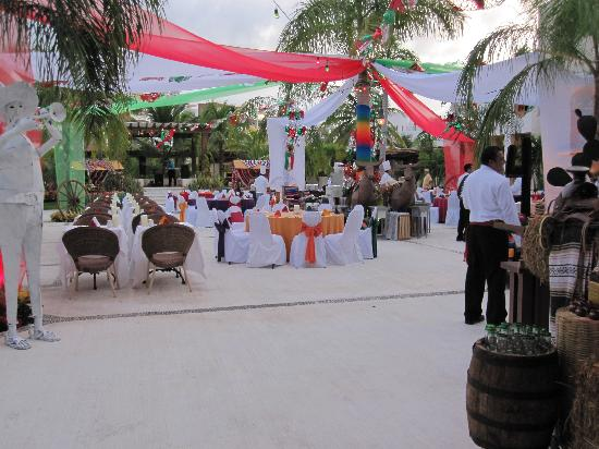 Excellence Playa Mujeres: Mexican celebration