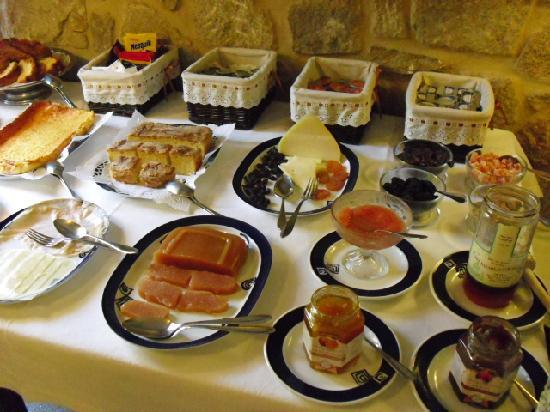 Hotel Rural Torre do Río: desayuno super completo, muy bueno