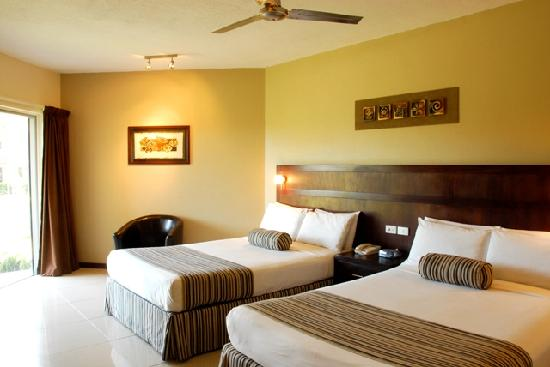 Tanoa Waterfront Hotel: Executive Room Two Dbl Beds