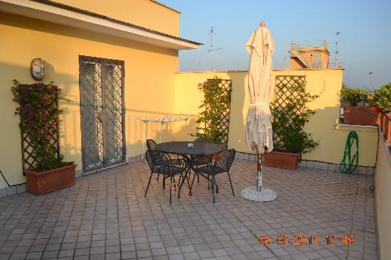 Crosti Apartments Hotel Rome: Terrace