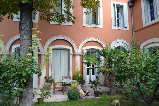 Ma Chambre d'Hotes a Montpellier : The courtyard garden