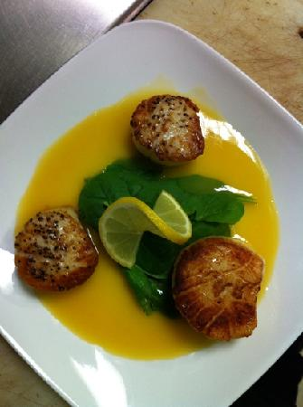 Market Street Brewing Company : seared scallops