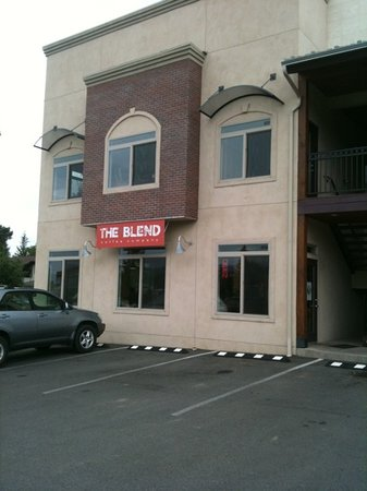 Boomerang: The Blend Coffee House