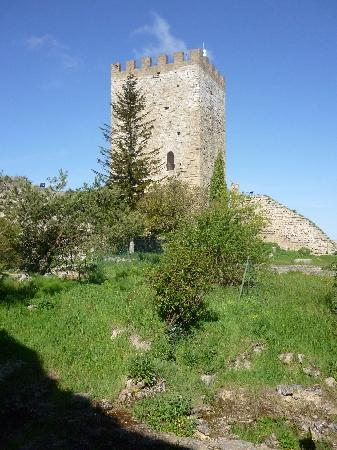 Castello di Lombardia (Enna): Innerhalb des Kastells
