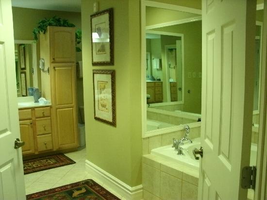 Mountain Vista Luxury Rentals: Unit #509- 2nd Master Bath (both have jacuzzi tubs & large tile showers).