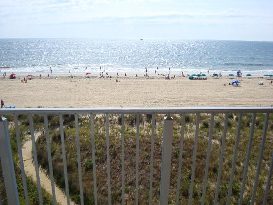 EconoLodge Oceanfront Ocean City: balcony view rm 501