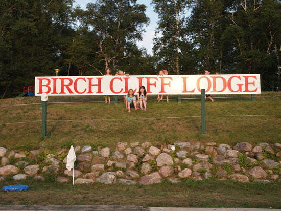 Birch Cliff Lodge