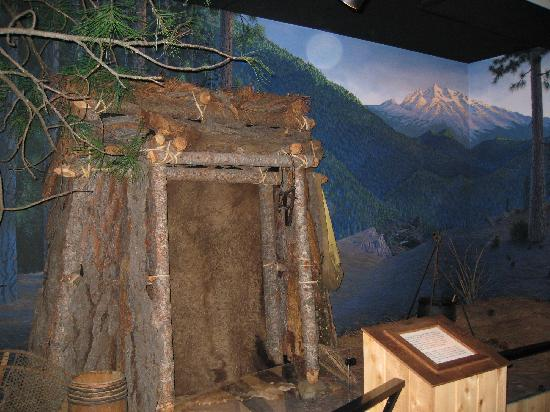 Yreka - Siskiyou County Museum, trappers display