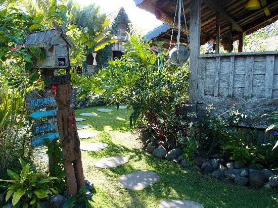 Desa Seni, A Village Resort: one of the many paths through the villlage
