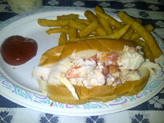 Cap't Cass Rock Harbor Seafood : Lobster Roll
