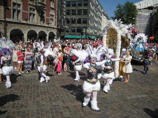 Helsinki, Finlandia: Samba Festival in June 2011.